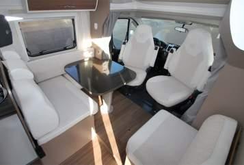 "Hire a motorhome in Kiel from private owners| Etrusco ""A&B BIG"""