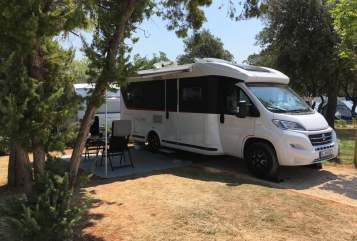 Hire a motorhome in Seevetal from private owners| Knaus Knaus Sky TI