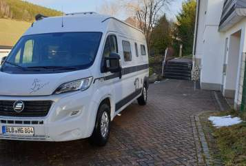 Hire a motorhome in Bad Berleburg from private owners| HymerCar Granny