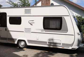 Hire a motorhome in Rheinbach from private owners| Fendt Familiencamper