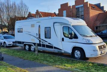 Hire a motorhome in Potsdam from private owners| Hobby Reiseservice