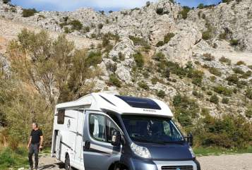 Hire a motorhome in Wustrow from private owners| KNAUS Sid