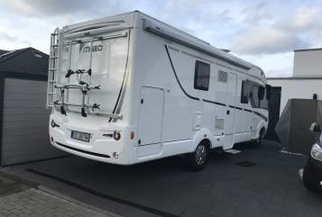 Hire a motorhome in Brüggen from private owners| Itineo Itineo