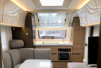 Hire a motorhome in Berlin from private owners| Adria Adria LuxusWoWa