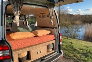 Hire a motorhome in Großhansdorf from private owners| VW Mats