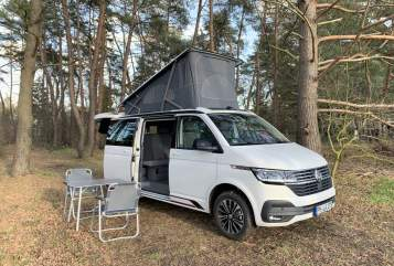 Hire a motorhome in Werder from private owners| VW HotelCalifornia