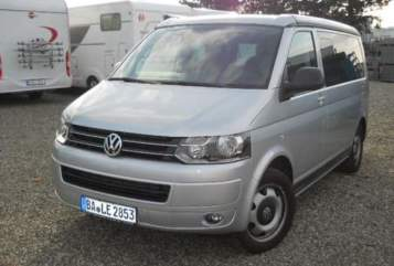Hire a motorhome in Berlin from private owners| VW T5 Cali DSG