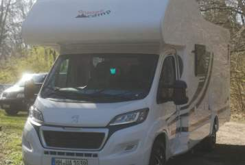 Hire a motorhome in Hamburg from private owners| OrangeCamp Bastimovil