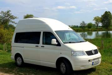 Hire a motorhome in Groß Offenseth-Aspern from private owners| VW  Moby Dick
