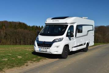 Hire a motorhome in Lienen from private owners| Hobby Der Patron