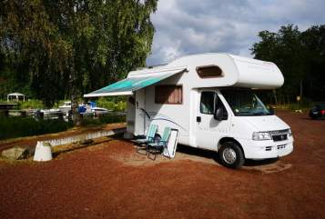 Hire a motorhome in Berlin from private owners| Fiat Dethleff