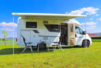 Hire a motorhome in Backnang from private owners| Adria Holly