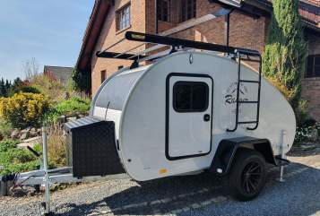 Hire a motorhome in Meinhard from private owners| Hero Camper Offroad-Camper