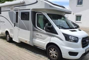 Hire a motorhome in Landshut from private owners| Roller Windsor