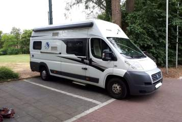 Hire a motorhome in Krefeld from private owners| Knaus Rudi