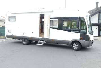 Hire a motorhome in Gründau from private owners| Carthago Reisemobil
