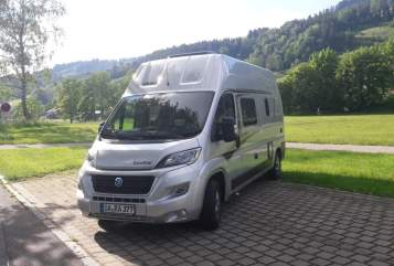 Hire a motorhome in Oberstaufen from private owners| Knaus Solution
