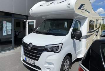 Hire a motorhome in Bad Segeberg from private owners| Ahorn Ahorn Canada AD