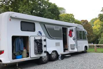 Hire a motorhome in Bad Segeberg from private owners| Knaus  Glamper
