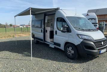 Hire a motorhome in Erzhausen from private owners| Westfalia Pinot Grigio