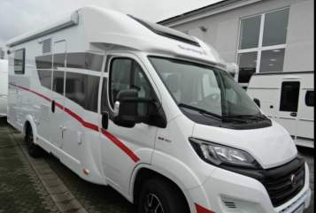 Hire a motorhome in Donaustauf from private owners| Sunlight Pato