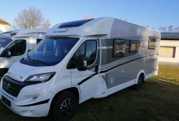 Hire a motorhome in Weinböhla from private owners| Sunlight Vabadus 3