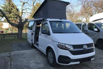 Hire a motorhome in Dresden from private owners| VW T6.1 Calihotel 6.1