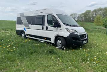 Hire a motorhome in Wesenberg from private owners| Sun Living Hermine