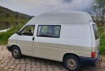 Hire a motorhome in Dresden from private owners| VW Mogli