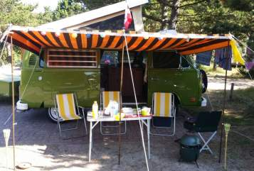 Hire a motorhome in Leiden from private owners| Volkswagen Green Westy  T2