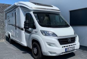 Hire a motorhome in Wolfsburg from private owners| Hymer Car-Lotta