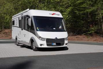 Hire a motorhome in Biedenkopf from private owners| Carthago  Tresto