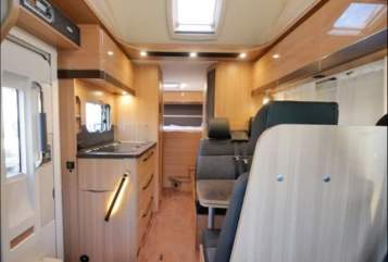 Hire a motorhome in Dorsten from private owners| LMC Luigi