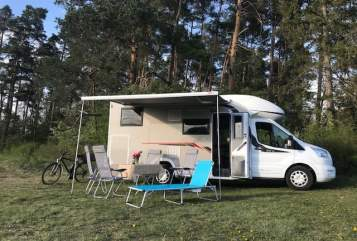 Hire a motorhome in Jettingen from private owners| Challanger Challi