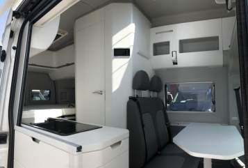 Hire a motorhome in Flensburg from private owners| VW Hugh Grand