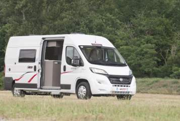 Hire a motorhome in Lörrach from private owners| Challanger Reich Lau RJ111