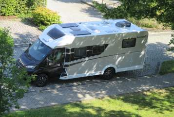 Hire a motorhome in Göttingen from private owners  Sunlight Sunny