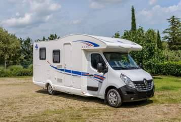 Hire a motorhome in Hamburg from private owners| Ahorn Ahorn 690 / 2