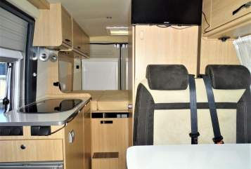 Hire a motorhome in Köln from private owners| Pössl Donna