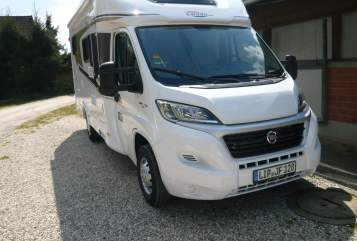 Hire a motorhome in Detmold from private owners| Corado T-337