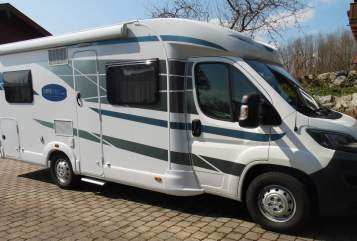 Hire a motorhome in Gstadt am Chiemsee from private owners| Knaus HUBSI