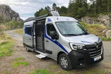 Hire a motorhome in Düsseldorf from private owners| Ahorn Luis
