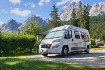 "Hire a motorhome in Königswinter from private owners| Weinsberg ""FIRE EDITION"""