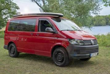 Hire a motorhome in Nürnberg from private owners| VW T6 Campingbus Road Runner