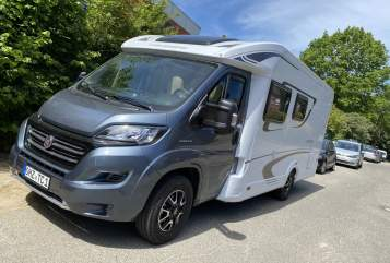 Hire a motorhome in Osterholz-Scharmbeck from private owners| Weinsberg Blu