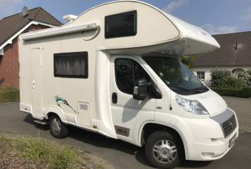 Hire a motorhome in Magdeburg from private owners| Fiat Bella Marie