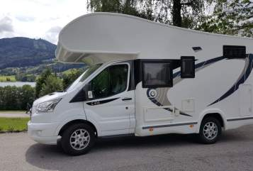 Hire a motorhome in Potsdam from private owners| Chausson Gerani