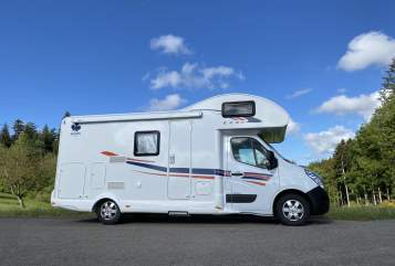 Hire a motorhome in Schenkenzell from private owners| Ahorn ECO 680