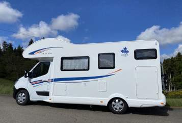 Hire a motorhome in Schenkenzell from private owners| Ahorn Eco 683