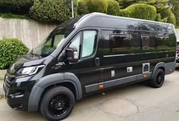 Hire a motorhome in Leinfelden-Echterdingen from private owners| Fiat Karman  Black Rocket